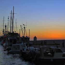 ...očekujući novi dan....... by Katica Pecigoš-Kljuković - Transportation Boats ( postire drugi dan )