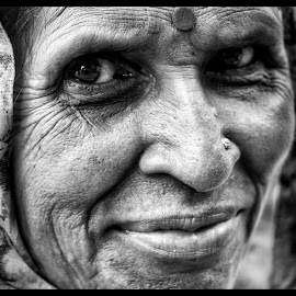 Potait by Debamalya Dasgupta - People Portraits of Women ( #natgeo#blackandwhitephotography#womenphotography#natgeoyourshot, #potraitphotography,  )