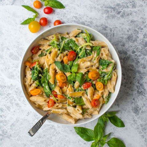 Creamy Vegan Pasta Sauce {Video}