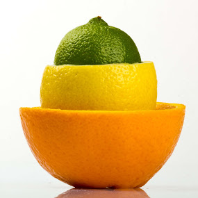 citron mixte by Olivier Tabary - Food & Drink Fruits & Vegetables ( pamplemousse, fruit, citron, pwcfruit, vert, jaune )