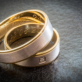 Wedding rings by Lucian Pirvu - Wedding Details ( wedding, dark, white, rings, yellow, gold, wedding rings,  )