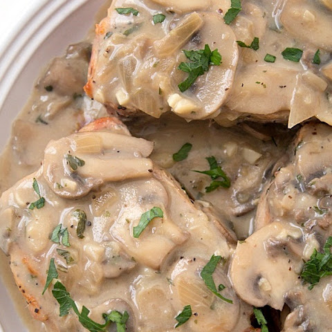 Slow Cooker Pork Chops with Mushroom-Wine Sauce