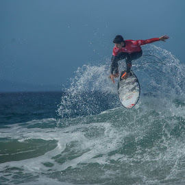 by Martin Hurwitz - Sports & Fitness Surfing