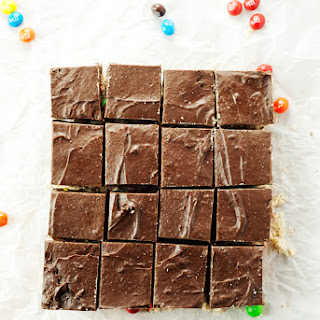 Mexican Wedding Cookie Fudge Bars