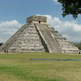 Chichen Itza by Sunil Pawar - Buildings & Architecture Public & Historical ( mexico, pyramid, chichen itza, wonder, yucatan,  )