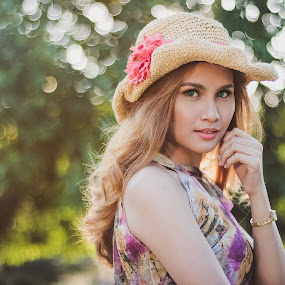 Start straight by Jerp Bremm Sangalang - People Portraits of Women ( beauty, bokeh, women, daylight, portrait )