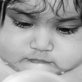 kuhu by Tanmoy Debnath - Babies & Children Child Portraits ( black and white, baby, portraits, cute, kid, eyes )