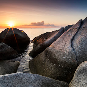 Sunset in Koh Tao by Luca Rosacuta - Landscapes Sunsets & Sunrises ( sunset, sea, landscape, rocks, sun )