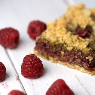 Vegan Whole Grain Raspberry Breakfast Bars