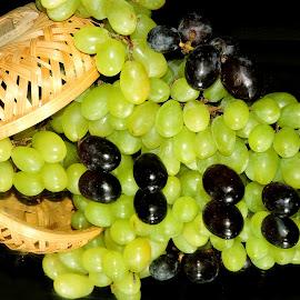 Grapes by SANGEETA MENA  - Food & Drink Fruits & Vegetables