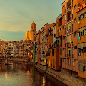 sunset Girona by Roberto Gonzalo Romero - City,  Street & Park  Vistas ( girona, sunset )