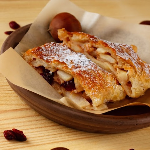 Puff Pastry Apple And Raisin Strudel