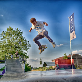 by Marco Bertamé - Sports & Fitness Skateboarding
