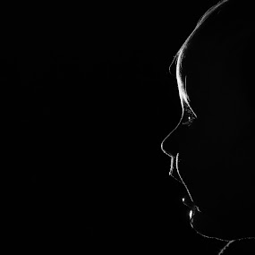 Minimalist lighting by Bart Joosen - Babies & Children Babies ( sien baby bw black white onelight )