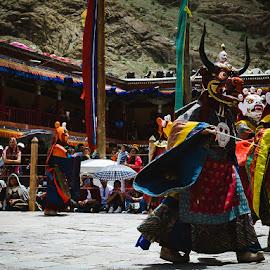 HEMIS FESTIVAL by Urgain Rangdol - People Musicians & Entertainers ( holiday people, mask dance, hemis festival, himalaya, monastery, mask, high altitude, india, festival, ladakh, people )