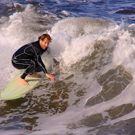 A travers la vague by Gérard CHATENET - Sports & Fitness Surfing