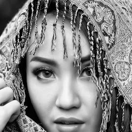 by Watercat Tukangpotret - Black & White Portraits & People