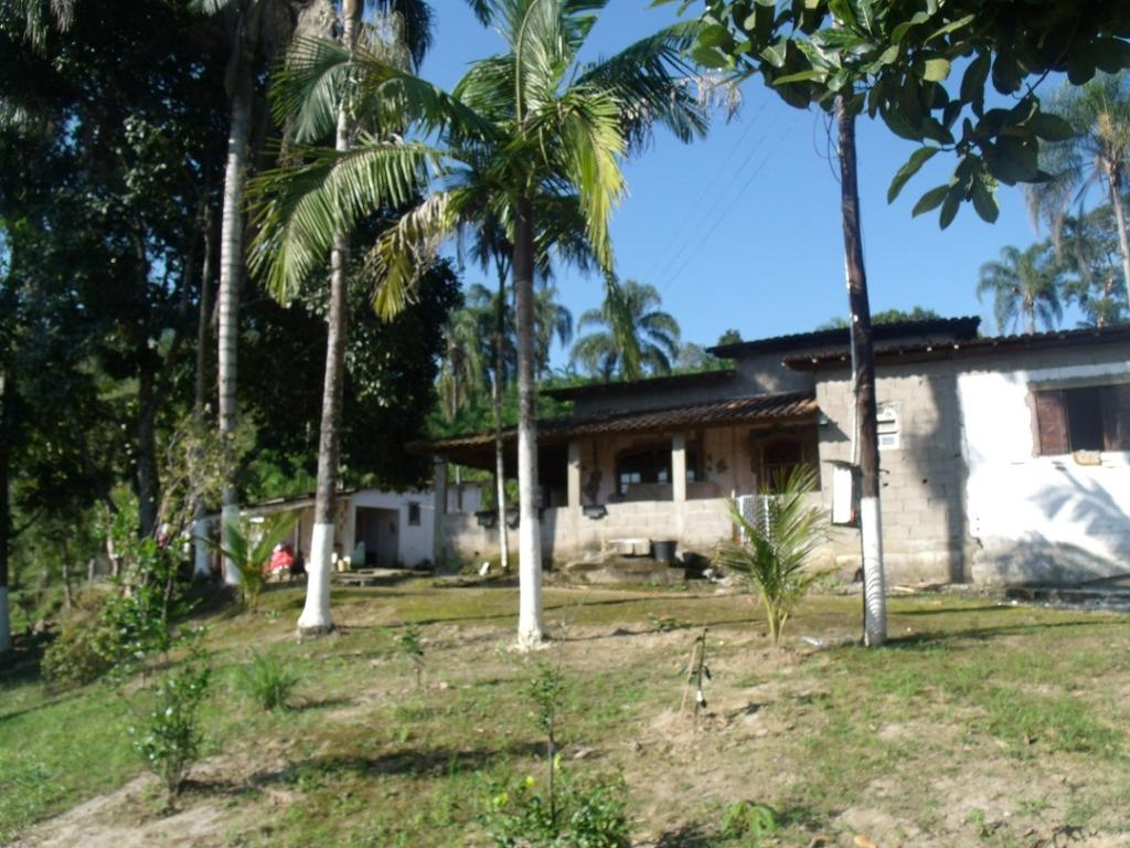 Sítio com 2 dormitórios à venda, 242000 m² por R$ 365.000,00 - Braço Grande - Miracatu/SP