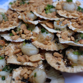 Scallops and Peanut  by Beh Heng Long - Food & Drink Plated Food ( vietnamese food )