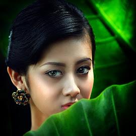Look by Suloara Allokendek - People Portraits of Women ( model, girl, green, woman, eyes )