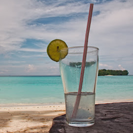 Lemon Juice by Damien Watson - Food & Drink Alcohol & Drinks ( port olry, vanuatu, santo, relax, drink, pacific, slice, beach, paradise, damien watson, lemon juice )