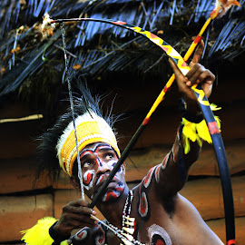 exotisme papua by Nazid Styawan - People Body Art/Tattoos ( oneclick photografi, indonesia, nazid styawan, human interest, papua, man )