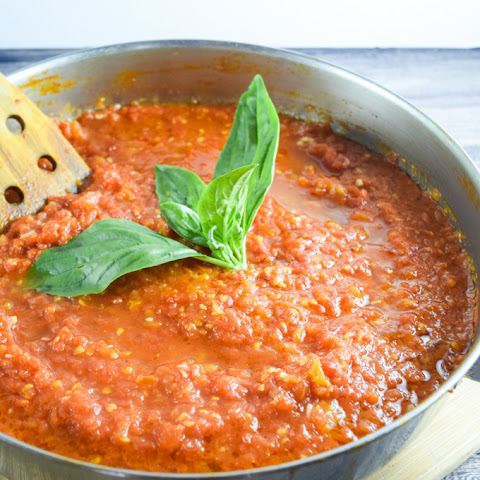 30-Minute Fresh Tomato Marinara
