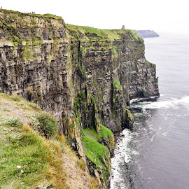 Cliffs of Moher by Bill Telkamp - Landscapes Caves & Formations ( water, landmark, cliffs, landscape )