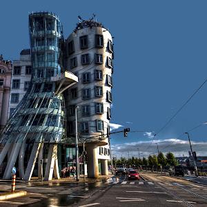 2011, Repubblica Ceca, Praga, palazzi, casa danzante, di fronte HDR.jpg