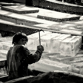 Ice Breaker  by Aloysius Alphonso - Novices Only Street & Candid