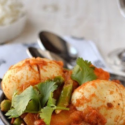 Dimer Dalna (Bengali Egg & Potato Curry)