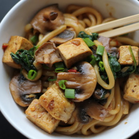 Udon Noodles with Tofu, Mushrooms and Spinach