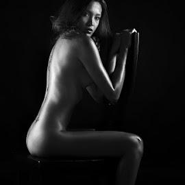 by Robert dela Torre - Nudes & Boudoir Artistic Nude