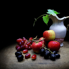 Harmony by Suehana SuZie - Artistic Objects Still Life