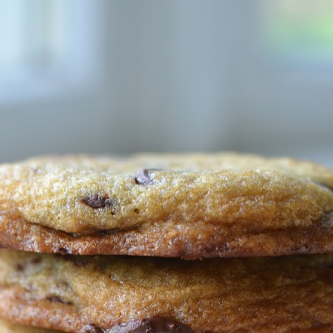 Tate's (Crispy) Chocolate Chip Cookies