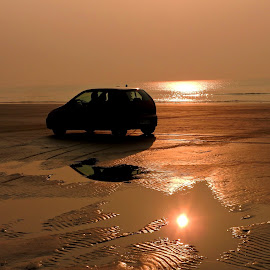 GOLDEN MOMENTS.. by Ajit Kumar Majhi - Landscapes Sunsets & Sunrises ( sea_car, reflections, sunrise, landscape, sea_sand.car )