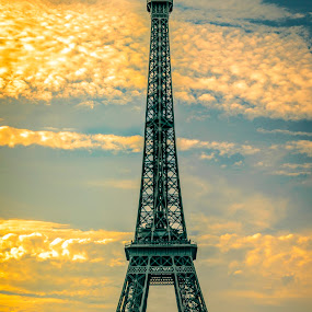 Eiffel Afternoon by Hunter Bryant - Novices Only Landscapes ( paris, tower, europe, afternoon, sunset, summer, eiffel, france, sun )