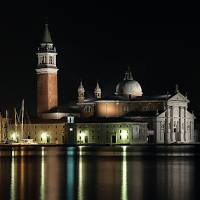 Venice in the night by Matteo Chinellato - Buildings & Architecture Public & Historical ( venezia, italia, venice, night, italy )