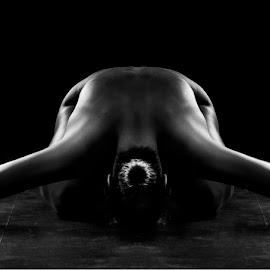 by Linda Økseter - Nudes & Boudoir Artistic Nude
