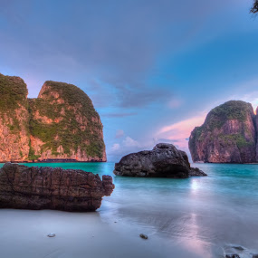 Maya Bay, Phuket, Thailand by Vincentius Dedy Angsana - Landscapes Beaches ( hdr )
