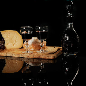 Cheese, cups and bottle by Cristobal Garciaferro Rubio - Food & Drink Ingredients ( wine, cups, cheese, bottle )
