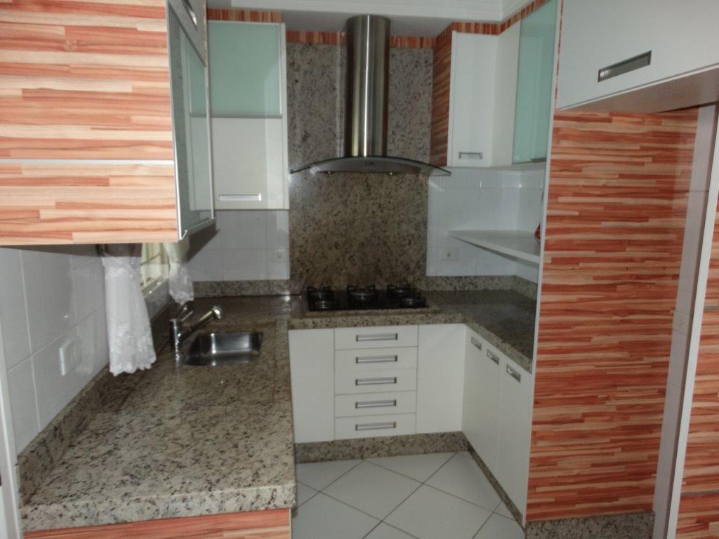 Sobrado de 4 dormitórios em Jardim Das Américas, Curitiba - PR