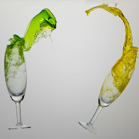 by Don Oka . - Artistic Objects Glass ( champagne glasses )