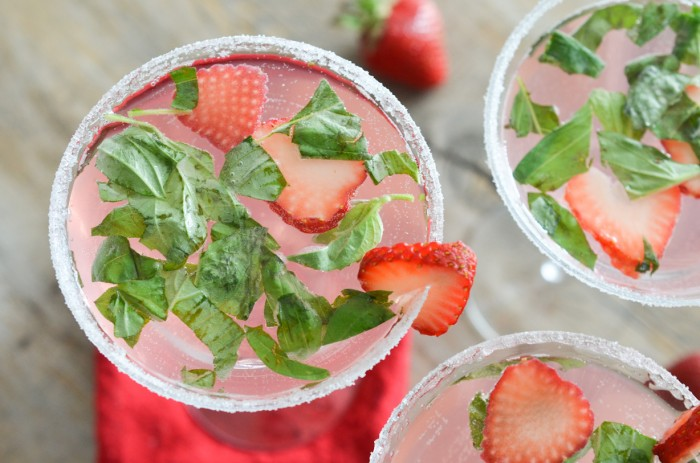 Strawberry Basil Mojito Recipe | Yummly