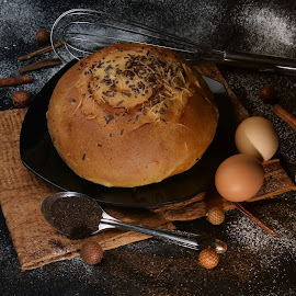 bread  by Tommy Zen - Food & Drink Cooking & Baking ( foods, food, bread, food photography )