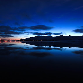 Arctic daylight by Kenneth Pettersen - Landscapes Sunsets & Sunrises ( strandland, articlight, winther, andøy, norway )