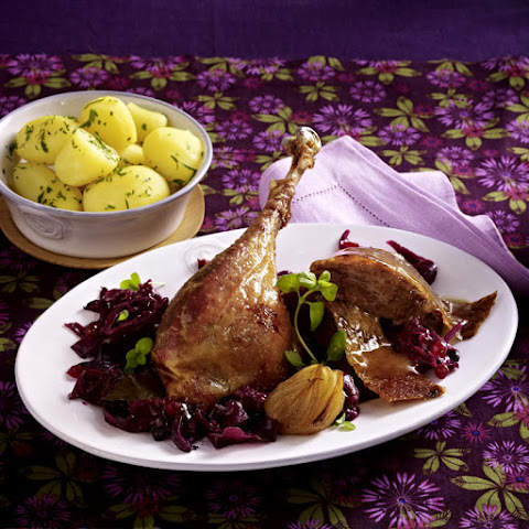Stuffed Goose with Braised Red Cabbage