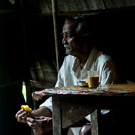 Old man and the Tea by Sidharth KP - People Street & Candids ( portraiture, britonna, village, goa, evening )