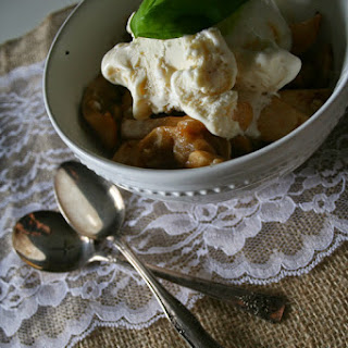 Sweet Basil Apple Crumble with Oat Topping