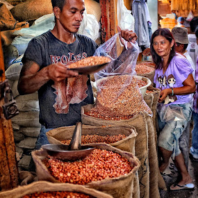 Penjual Kacang by Herry Wibowo - City,  Street & Park  Markets & Shops